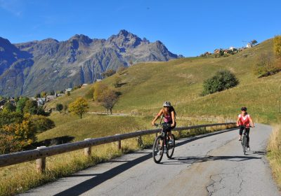 The discreet climb up to Alpe d'Huez by e-bike