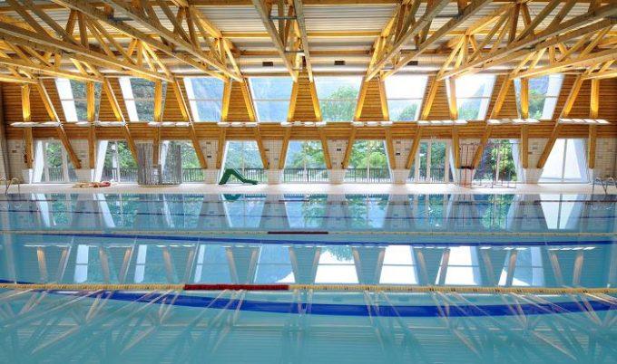 The public swimming pool of Gavet