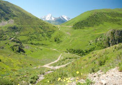 Les Cours, Puy-le-Haut, Auris – à pied